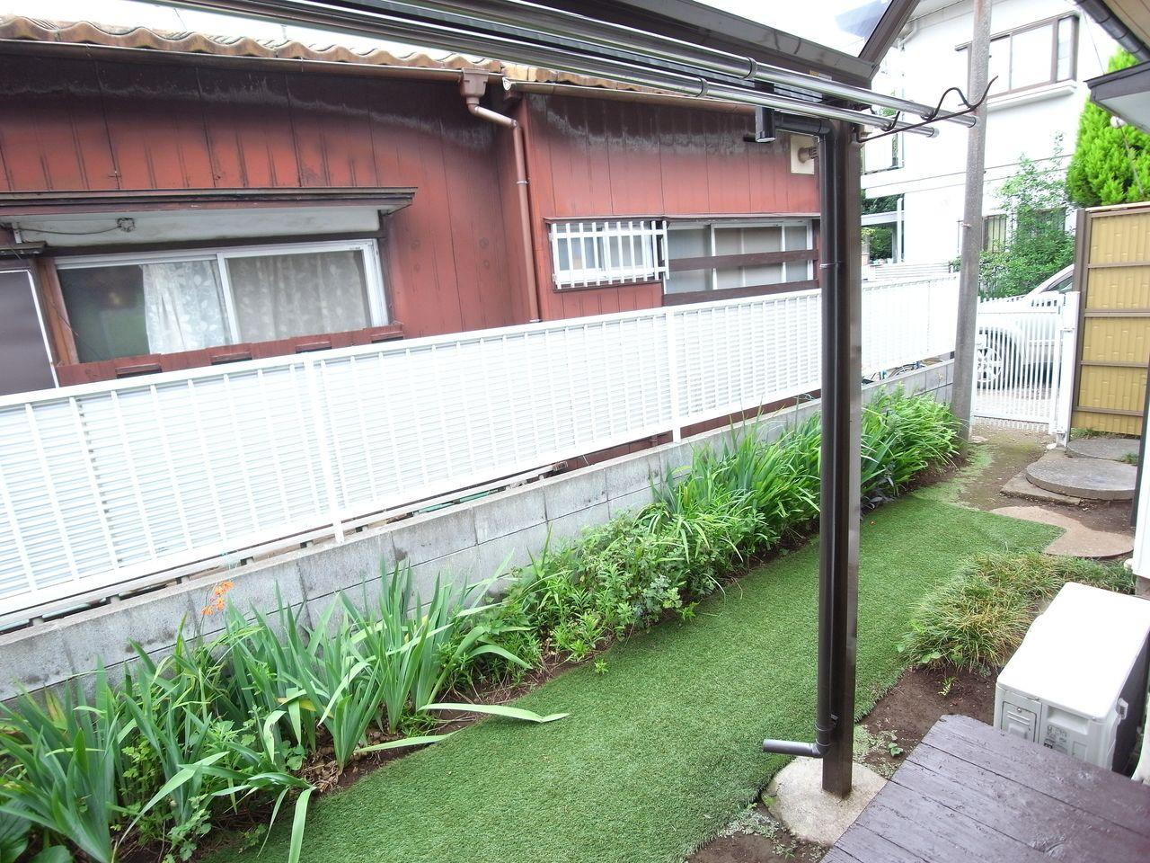 植栽と芝もキレイに敷かれています
