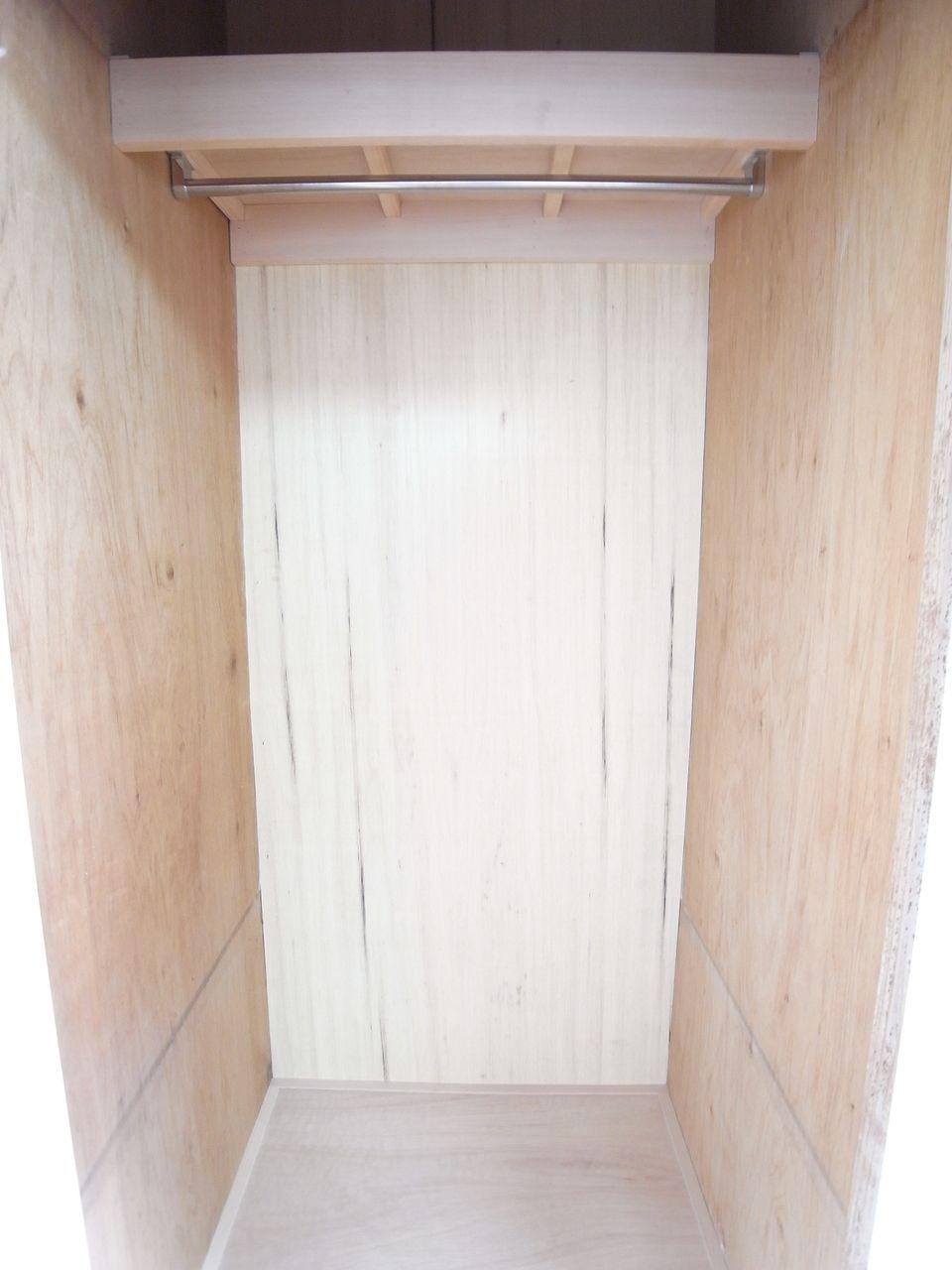 枕棚を含め内側を張り替え感じる木の温もり