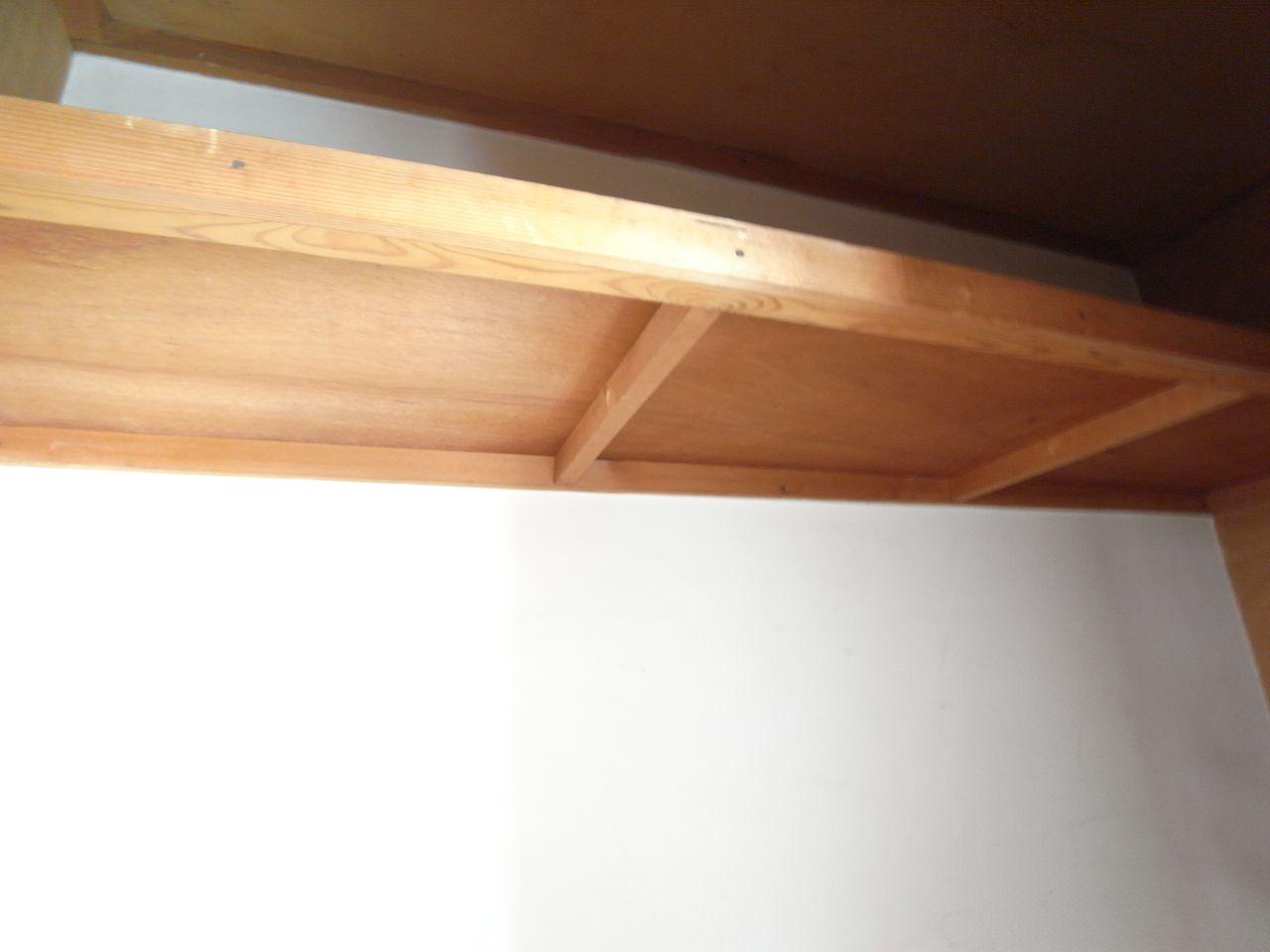 上段の上には枕棚もありさらに収納力UP!
