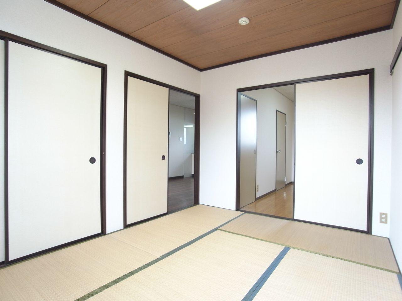 和室から隣室等へは段差もありません。