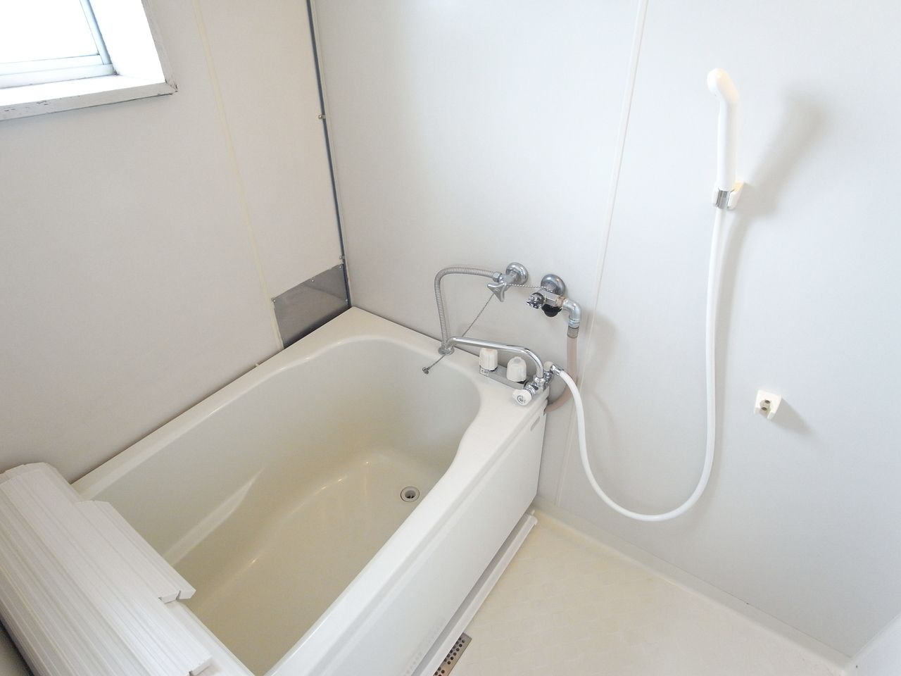 浴槽のフタつき