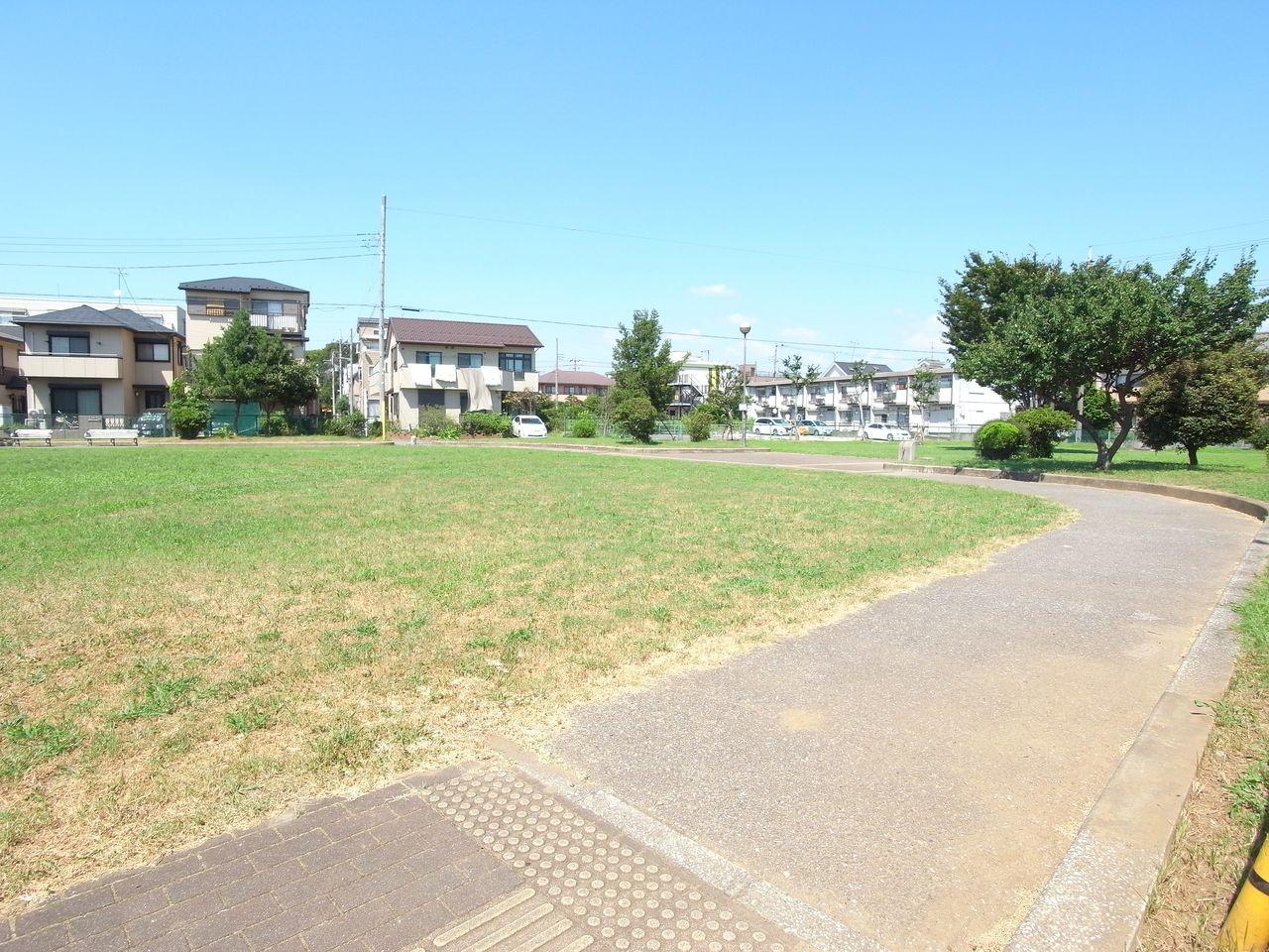 住宅地内にある「実籾2号公園」
