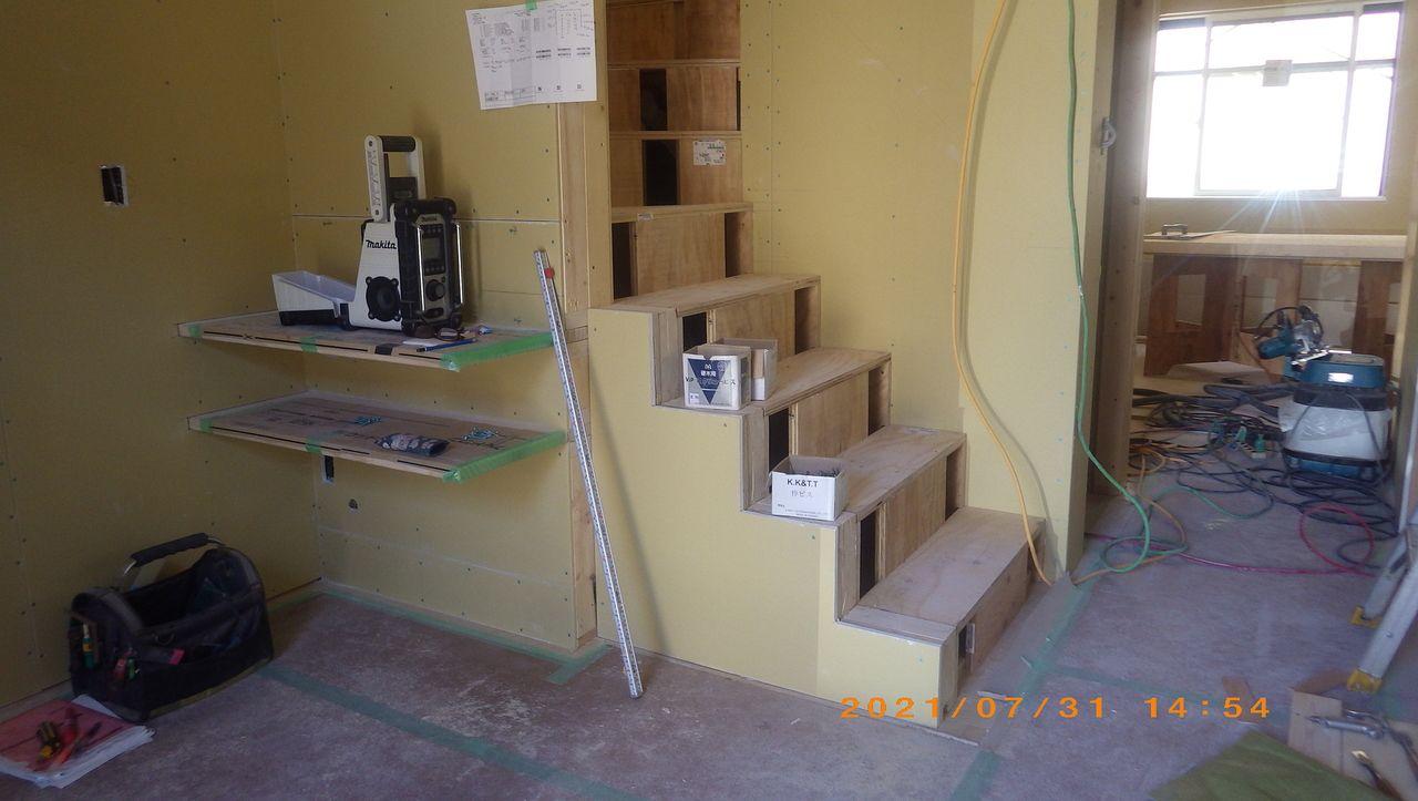 階段工事の様子です。【木工事】