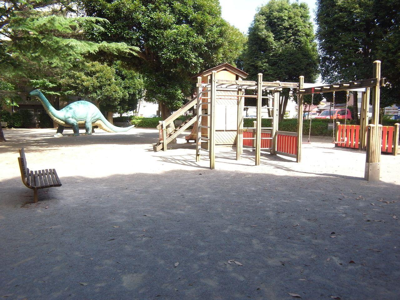 恐竜が待っている!「東習志野ふれあい広場」